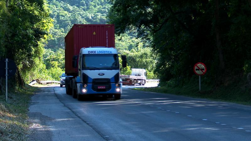 Trecho da BR-70, rodovia federal que poderá receber recursos estaduais se veto for derrubado pela Alesc – Foto: Reprodução/NDTV