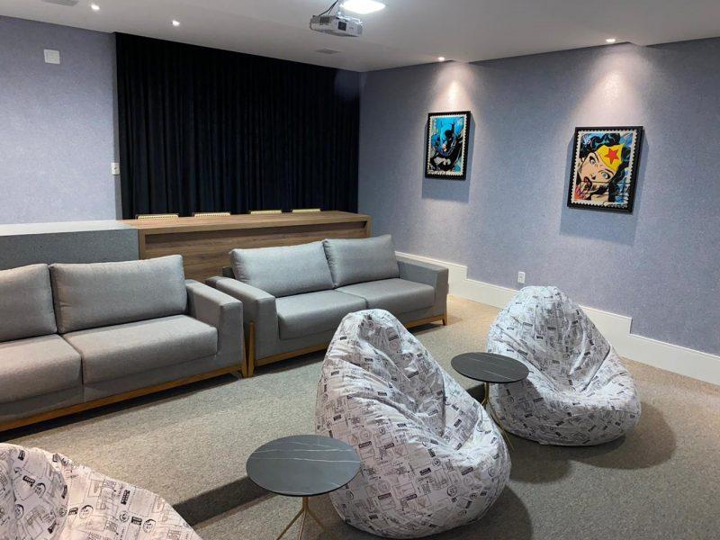 Com foco no lazer, condomínios modernos trazem áreas sociais que incluem até sala de cinema – Foto: AM Construções/Divulgação/ND