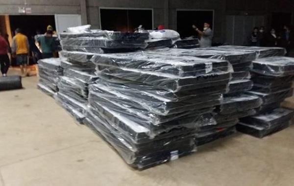 Colchões foram distribuídos na região do Meio Oeste – Foto: Defesa Civil/Divulgação