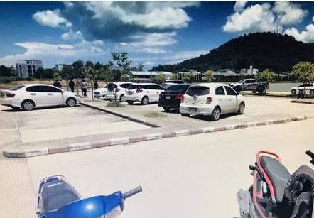Estacionamento onde a caloura desmaiou – Foto: Khaosod