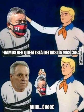 Torcedores descobrem quem está por trás da máscara de Domènec Torrent, técnico do Flamengo – Foto: Reprodução/Twitter