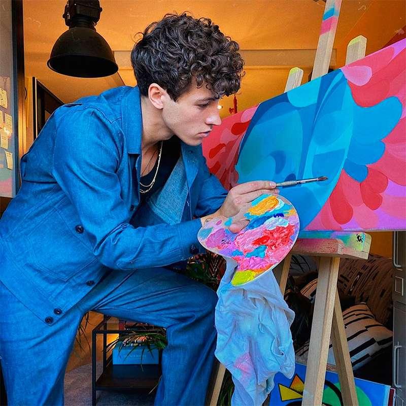 No site, pinturas feitas por ele chegam a custar 8.500 euros, ou seja mais de R$ 51 mil – Foto: Reprodução/Instagram