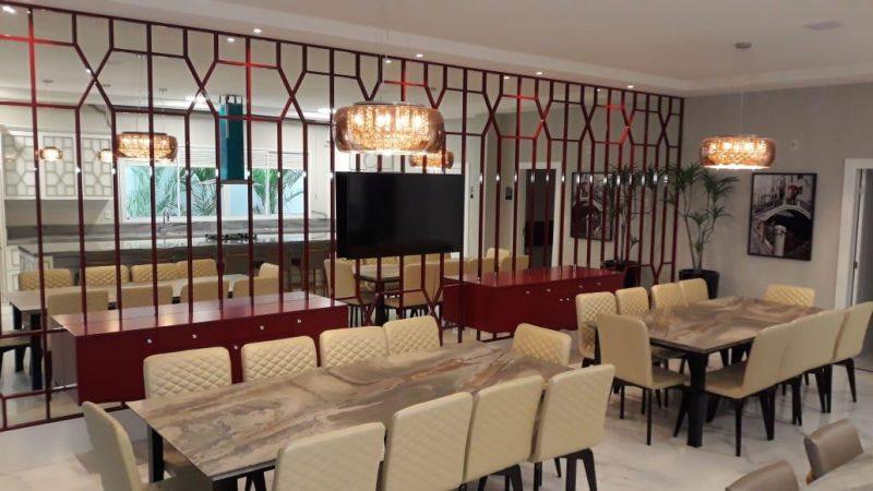 Sofisticação e elegância na área gourmet do Lídia Dircksen, em São José – Foto: AM Construções/Divulgação/ND