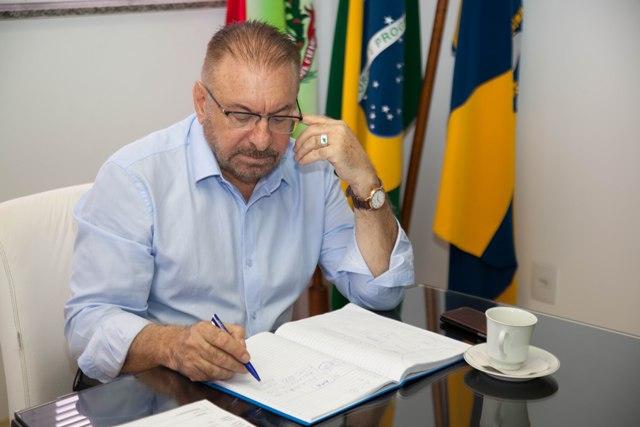 Promotores pedem a cassação do diploma do prefeito Morastoni, a perda do mandato e a suspensão dos direitos políticos por oito anos – Foto: Reprodução/ND