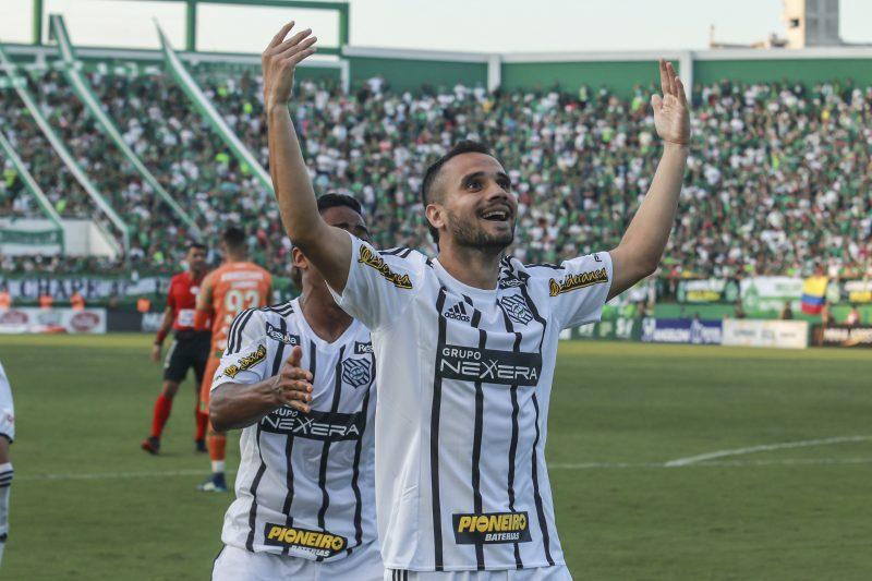 2018 (Figueirense): O Furacão venceu a Chapecoense, em Chapecó, por 2 a 0 e conquistou o Campeonato Catarinense de 2018 – Foto: Renato Padilha/Arquivo/ND