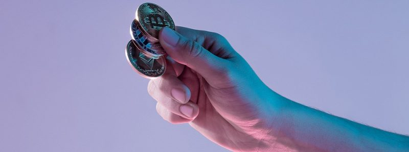 Bitcoin: pesquisa revela países, gêneros e faixas etárias que mais usam a criptomoeda - Negócio foto criado por master1305 - br.freepik.com