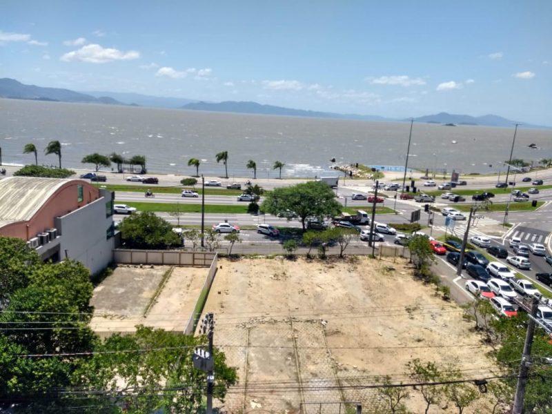 Área da Beira-Mar Norte, em Florianópolis, que seria adotada pelo empreendimento para construção de uma praça pública – Foto: Fabio Gadotti/ND