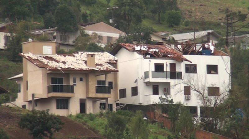 Muita destruição em Água Doce – Foto: Carlos Corrêa/Reprodução NDTV