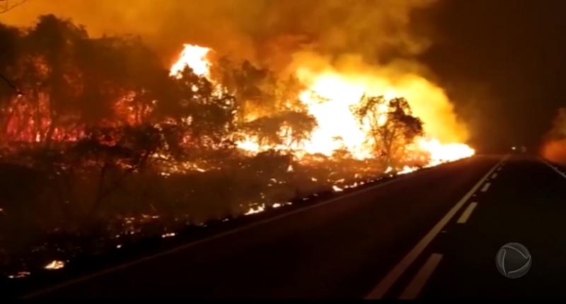 Os incêndios começaram em junho – Foto: Record TV/Reprodução