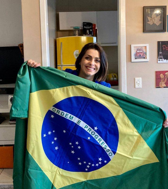 Essa é a Sabrina de Aguiar, apresentadora do BG de Joinville – Foto: Reprodução/ND