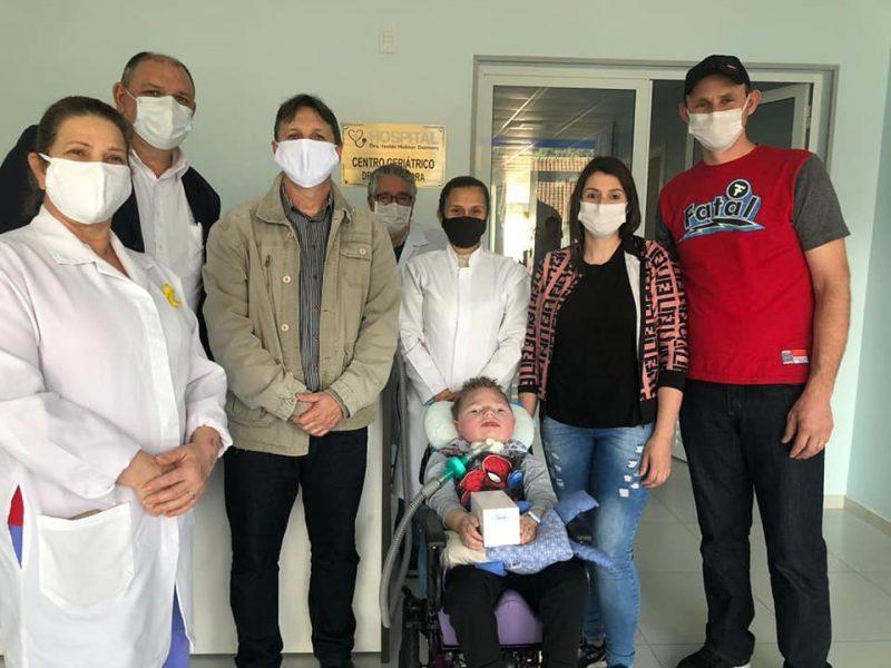 A família de Luiz Miguel recebeu o medicamento nesta semana. – Foto: Arquivo Pessoal/Facebook/ND