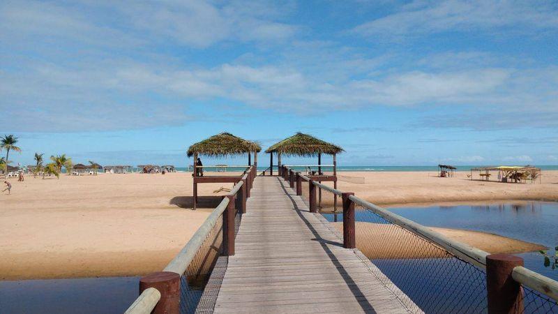 Quem se hospeda no Pratagy Beach All Inclusive Resort consegue contemplear paisagens lindíssimas e ainda curtir as belas piscinas naturais de Pratagy (AL). Isolado da agitação, o hotel é cercado pelo Rio Meirim, a Mata Atlântica e o mar - Divulgação - Divulgação/Rota de Férias/ND