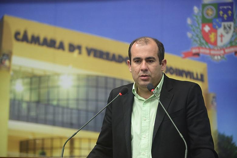 Rodrigo Fachini chama de mentirosas as afirmações de que nomeação para cargo na Fecam é indicação política – Foto: Câmara de Vereadores de Joinville/Divulgação