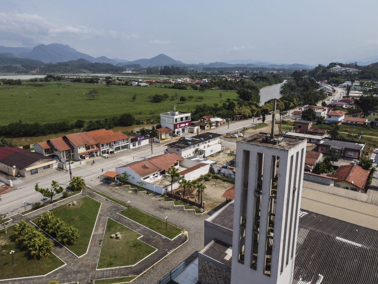 Crime chocou cidade no Vale do Rio Tijucas - DCIM104MEDIADJI_0287.JPG