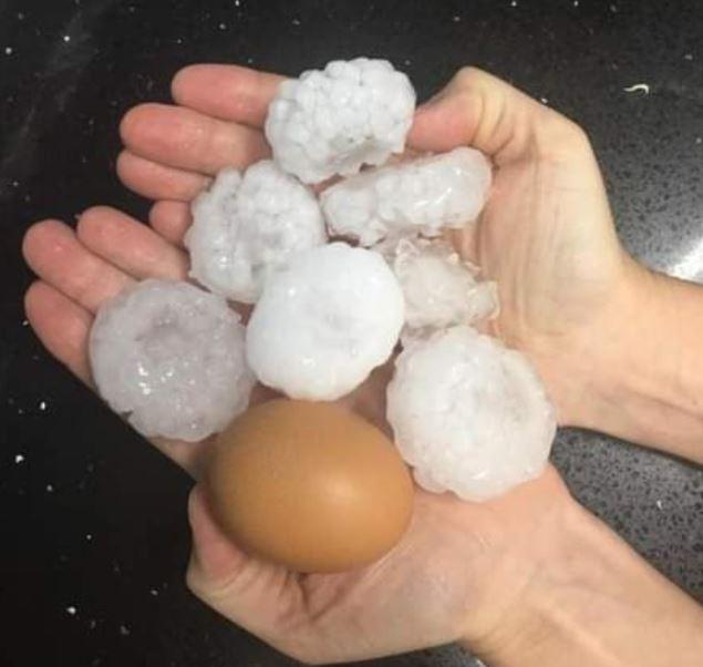 Pedras de gelo foram comparadas com um ovo de galinha - Wh Comunicações
