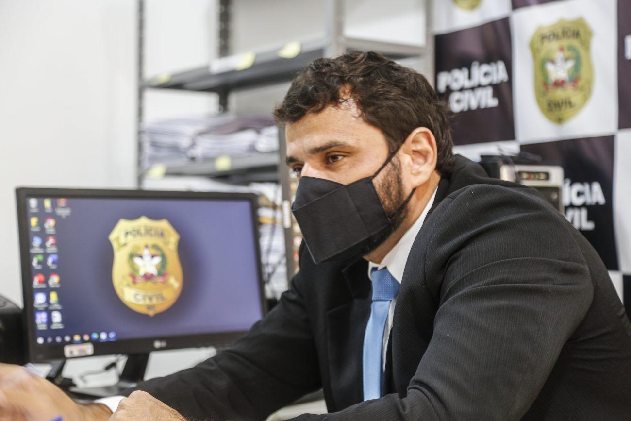 delegado Paulo Alexandre Freyesleben e Silva fala sobre o crime - Anderson Coelho/ND