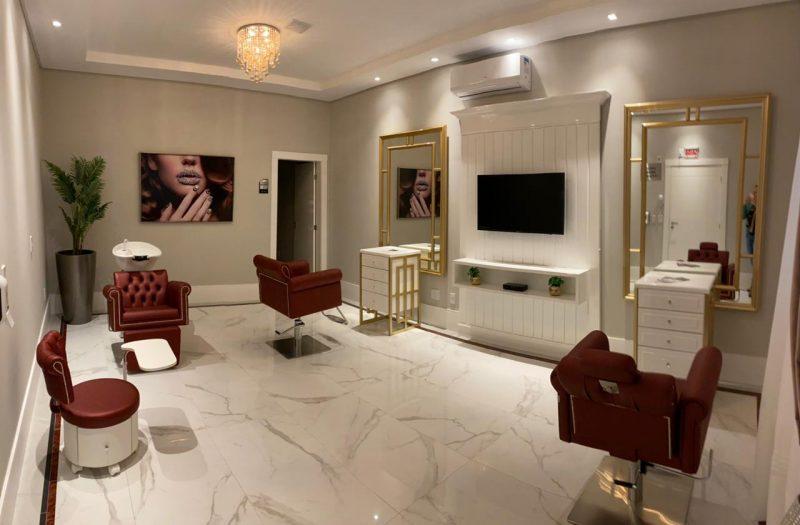 Novidades como Espaço Mulher agregam salão de beleza com lavatório, mesa de manicure, sala de massagem e espaço para pequenos eventos - AM Construções/Divulgação/ND