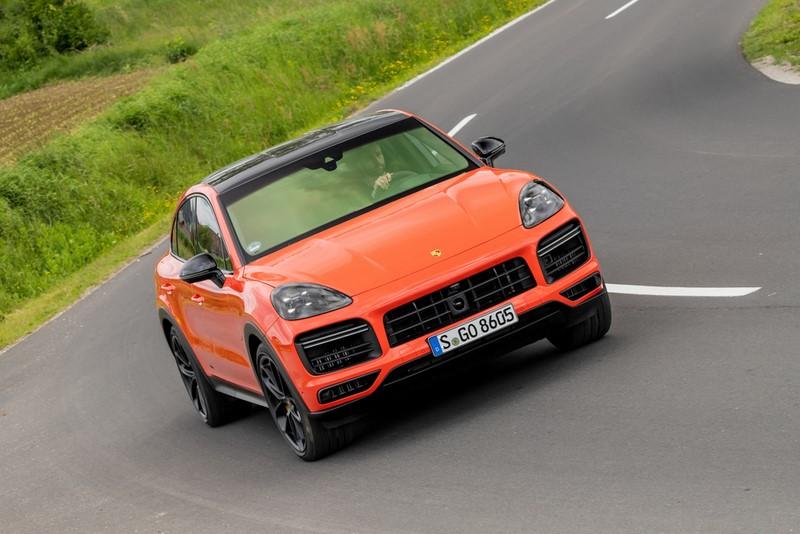 Porsche inicia as vendas das versões híbrida e Turbo do Cayenne Coupé - Divulgação/Porsche