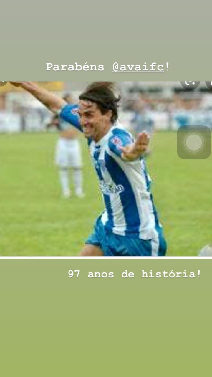 O ex-meia Sávio, que jogou no Avaí em 2010, relembrou sua passagem pelo clube - Reprodução/ND