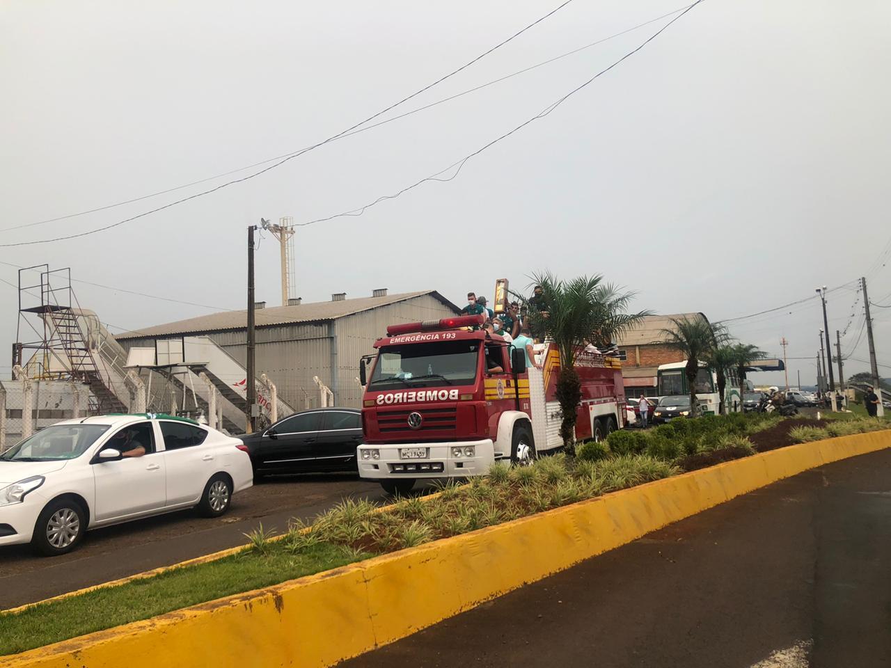 Carretada marca a chegada dos jogadores em Chapecó após a vitória contra o Brusque - Willian Ricardo/ND