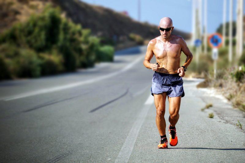Especialistas indicam atividade física como uma boa alternativa para manter a saúde mental e física saudável. Foto: Pixabay