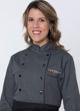 """Luciana Berry, de 39 anos, mora atualmente em Londres (Inglaterra), mas nasceu na Bahia. Luciana impressionou os chefs e os jurados com suas técnicas e, ao entrar no reality, disse que seu objetivo era """"mostrar um lado menos arrogante da profissão de chef"""" – Foto: Divulgação/Record TV"""