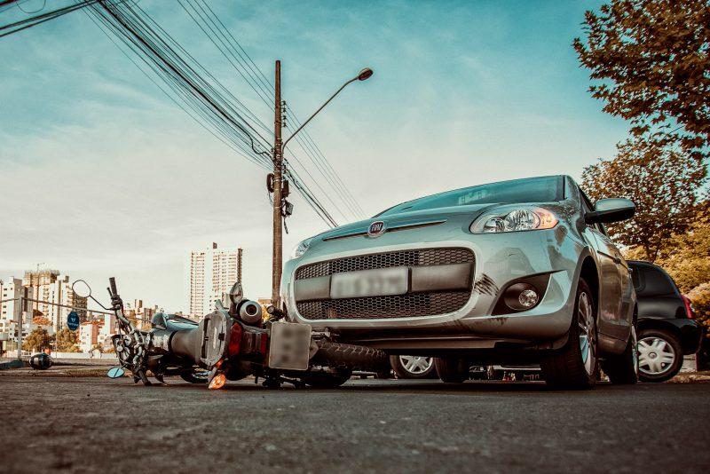 O trânsito sempre chamou a atenção do fotógrafo que fez todos os registros nas redondezas do bairro Jardim Itália, onde presenciou muitos casos de acidentes e imprudências de motoristas. – Foto: Nathan Cazella