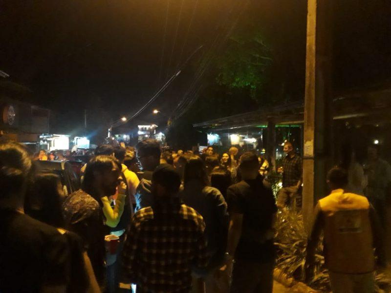 Estabelecimentos em uma das praias mais procuradas por turistas foram flagrados com aglomerações no fim de semana – Foto: Prefeitura de Imbituba/Divulgação