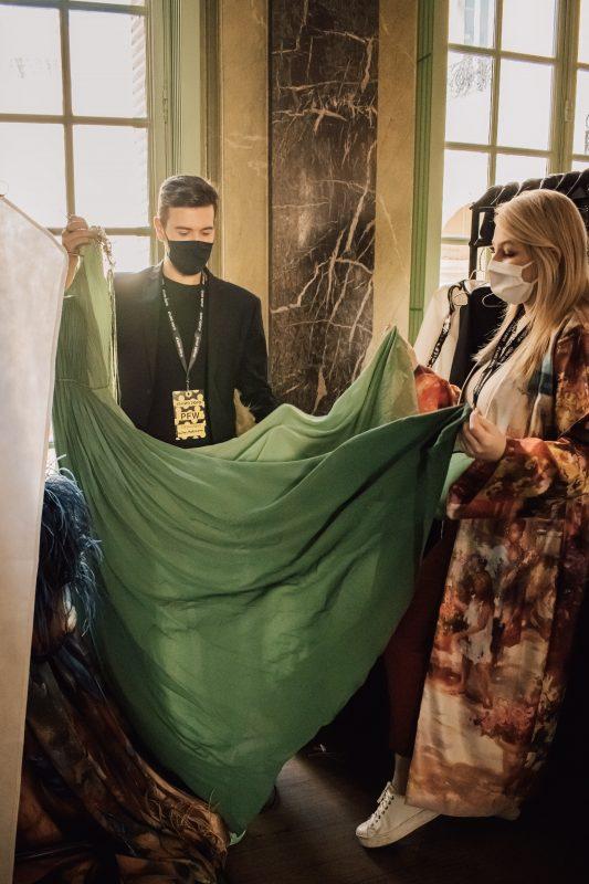 """Matheus Nudelmann foi um dos 10 designers selecionados para participar do desfile realizado pela Flyng Solo para mostrar sua coleção com traços e características inspirados na """"brasilidade"""" – Foto: Divulgação/Alessandra Chastalo/ND"""