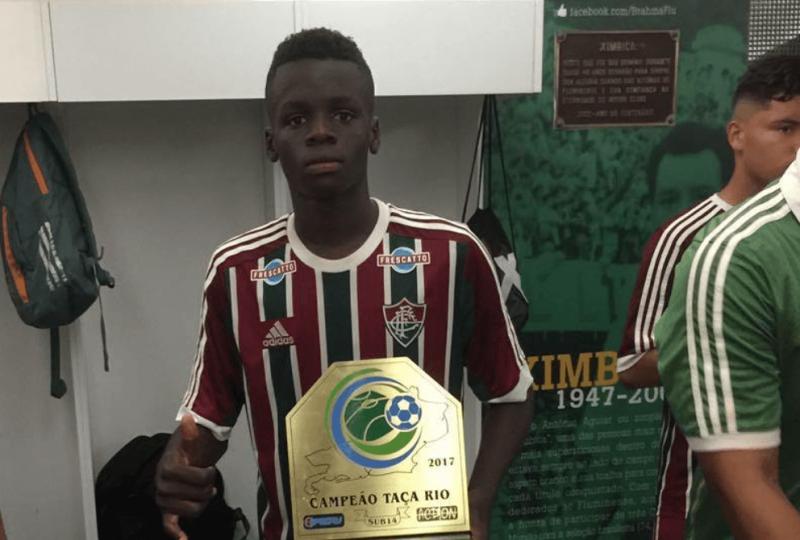 Embora nascido no Congo, Metinho tem cidadania brasileira – Foto: Instagram Metinho