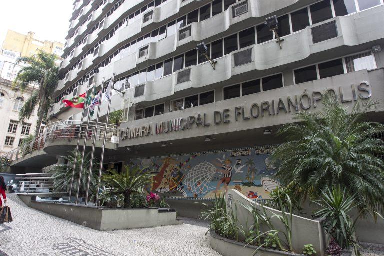 Fachada da Câmara de Vereadores de Florianópolis, no Centro – Foto: Marco Santiago/Arquivo/ND