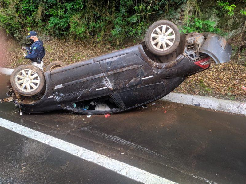 Acidente ocorreu no início da tarde, na BR-282 em Cordilheira Alta. – Foto: Corpo de Bombeiros/Divulgação/ND