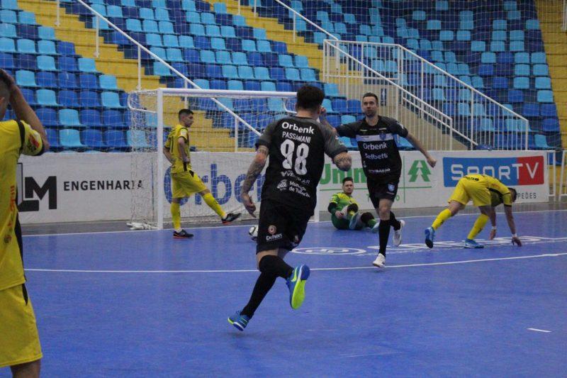 Futsal, uma paixão nacional fora das olímpiadas por culpa da FIFA – Foto: Tubarão/Divulgação