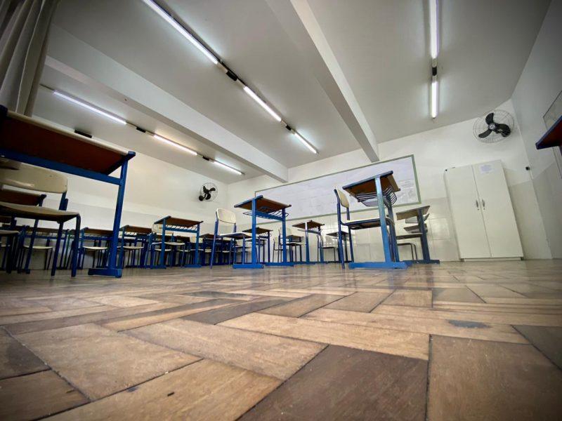 O decreto estabelece a educação como serviço essencial no Estado – Foto: Moisés Stuker/NDTV Blumenau