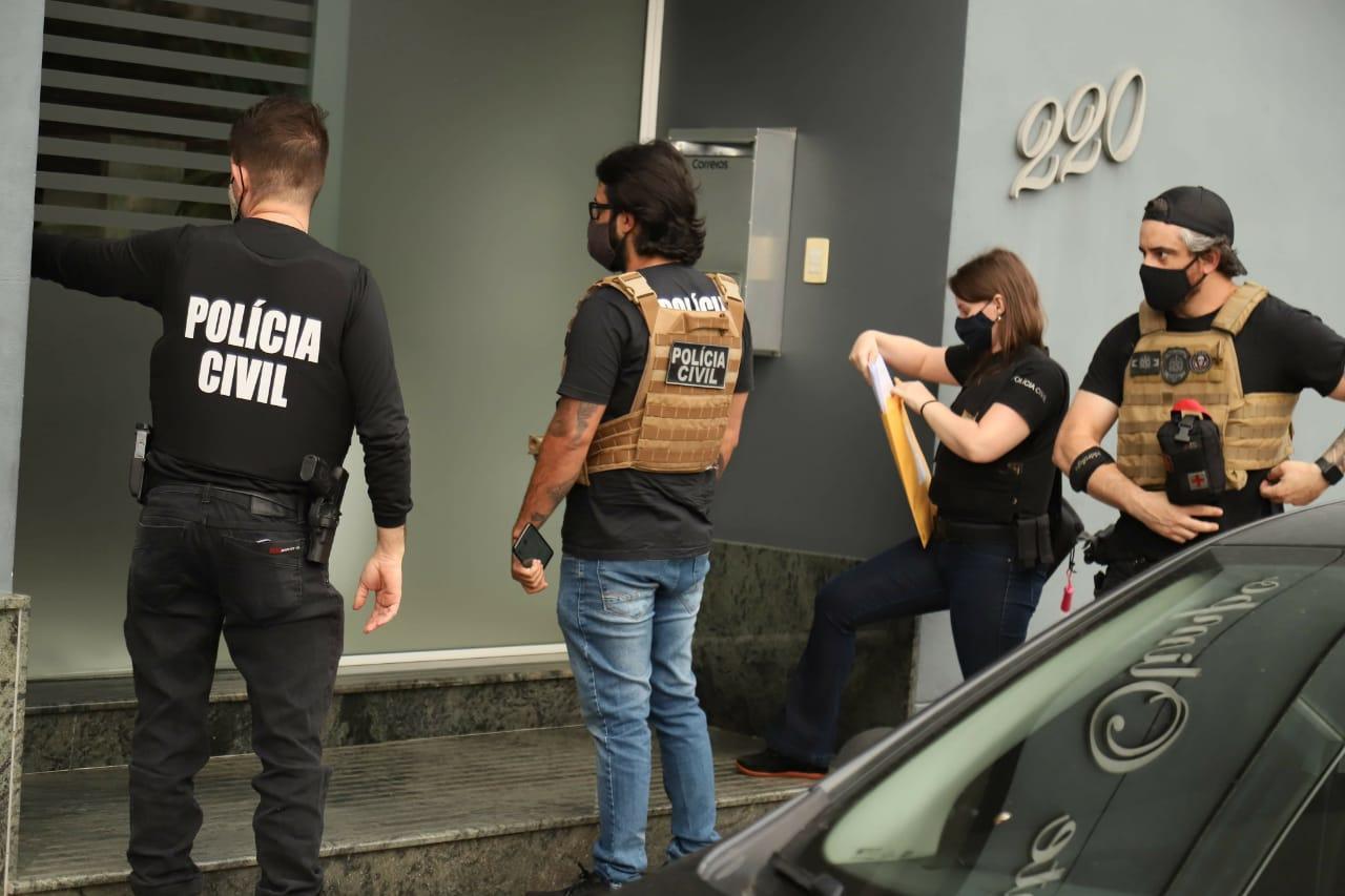 A operação anticorrupção foi encabeçada pela 4º Delegacia Especializada no Combate à Corrupção de Blumenau, com apoio da 5º Decor-Deic, da DIC, da Dpcami e da 1º DP de Blumenau, além do DRACO – Delegacia de Repressão às Ações Criminosas Organizadas - Celso Renner/Polícia Civil/ND