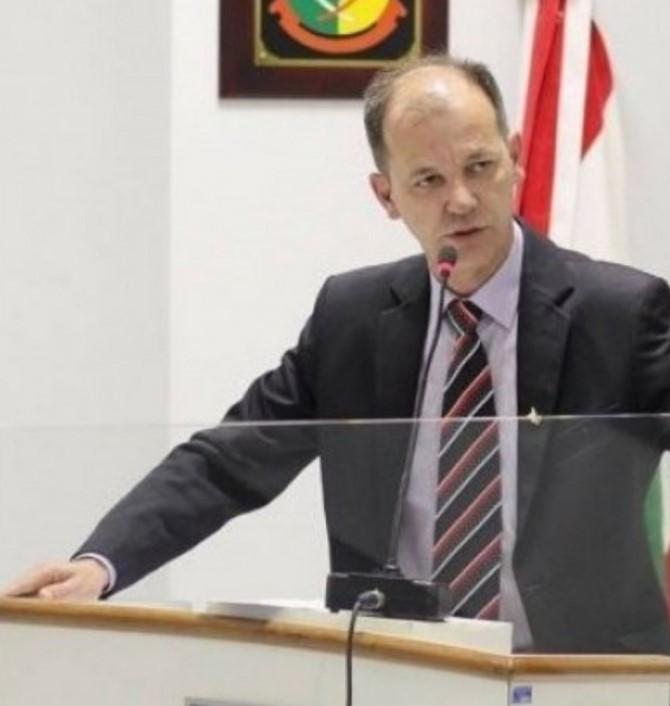 Luiz Antônio de Campos é vereador e candidato a prefeito de Garopaba
