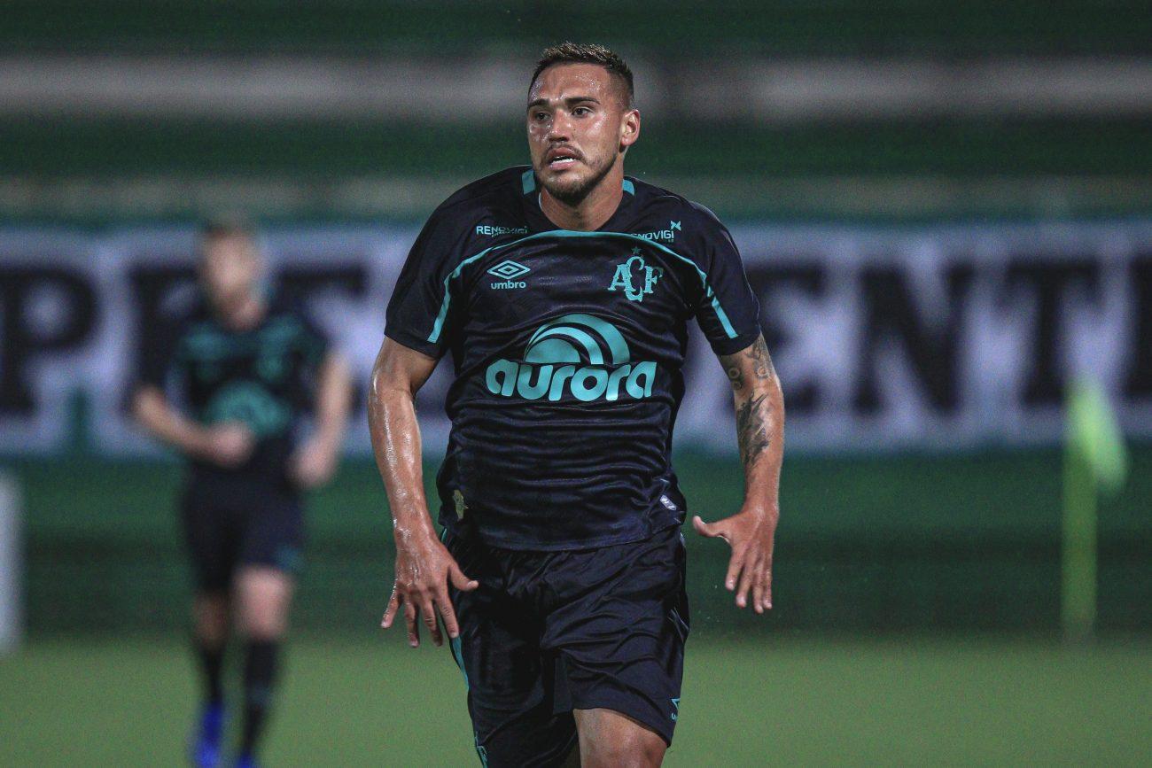 Time de Umberto Louzer se manteve na primeira posição e aumentou seu período de invencibilidade que, agora, é de 13 jogos - Márcio Cunha l ACF