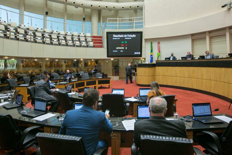 Na Comissão de Finanças e Tributação, a LOA 2021 recebeu 2.297 emendas – Foto: Rodolfo Espínola / Agência AL/ND