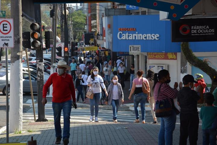 Quem não usar máscara em Chapecó terá que pagar multa de R$ 500- Foto: MB Comunicação/Divulgação