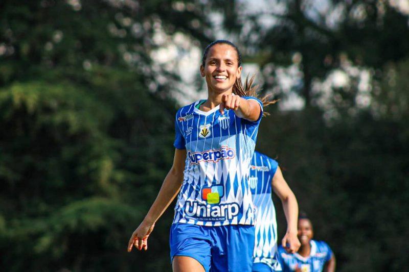 Duda é uma das jogadoras que mais dá assistências para gol no campeonato – Foto: @andriellizambonin