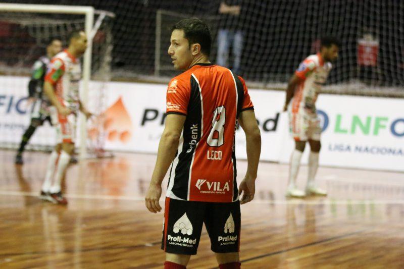 Leco conseguiu ser ídolo em Jaraguá e Joinville, uma das maiores rivalidades do país – Foto: Juliano Schmidt/JEC/Krona