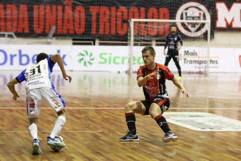 Machado fez o primeiro gol da prorrogação e encaminhou a classificação tricolor – Foto: Juliano Schmidt/JEC/Krona