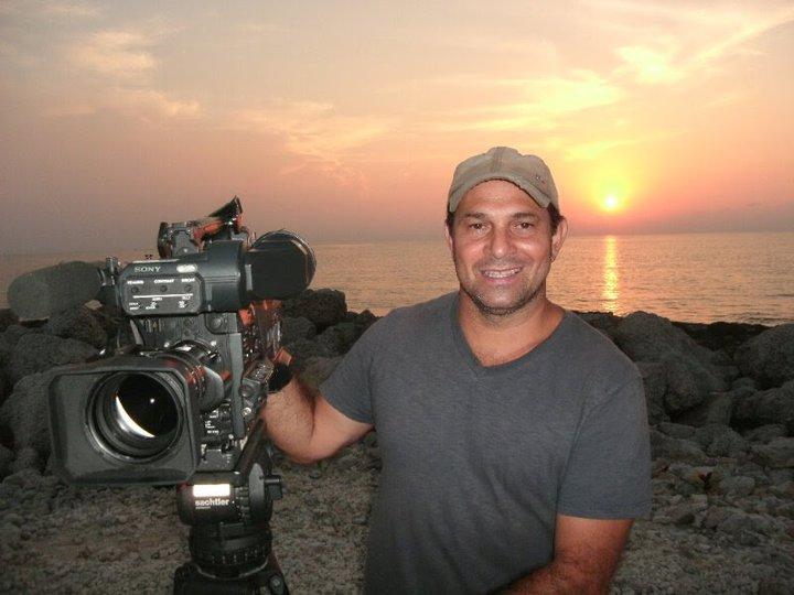 Ari de Araújo Jr: Ari Ferreira de Araújo Júnior, de 48 anos, era cinegrafista da TV Globo. Ele integrava a equipe do programa Planeta Extremo e era natural de Goiânia. – Foto: Arquivo Pessoal
