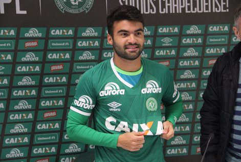 Arthur Maia: com 24 anos era meio-campista emprestado pelo Vitória à Chapecoense. Natural de Maceió (AL) foi revelado pelo Vitória. Passou pelo Flamengo. Foi contratado pela Chapecoense em 2016. – Foto: Reprodução/Chapecoense