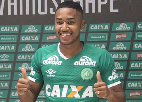 Biteco: Matheus Biteco era natural de Porto Alegre (RS) e tinha 21 anos. O volante da Chapecoense começou nas categorias de base do Grêmio, onde jogou ao lado do irmão Guilherme Biteco. Foi contratado pelo Verdão em 2016. – Foto: Reprodução/Chapeconse