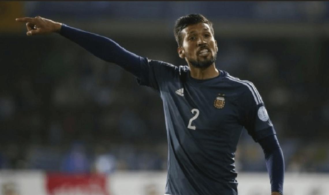 Ezequiel Garay O experiente zagueiro argentino, de 34 anos, deixou o Valencia ao fim da última temporada e está livre no mercado. - Divulgação