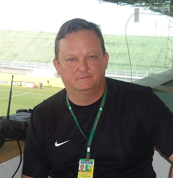 Fernando Doesse: Fernando Schardong tinha 48 anos e era narrador esportivo da Rádio Chapecó. Natural de Ibirubá começou na rádio Ibirubá, em 1985. Era coordenador de esporte da emissora. – Foto: Arquivo Pessoal