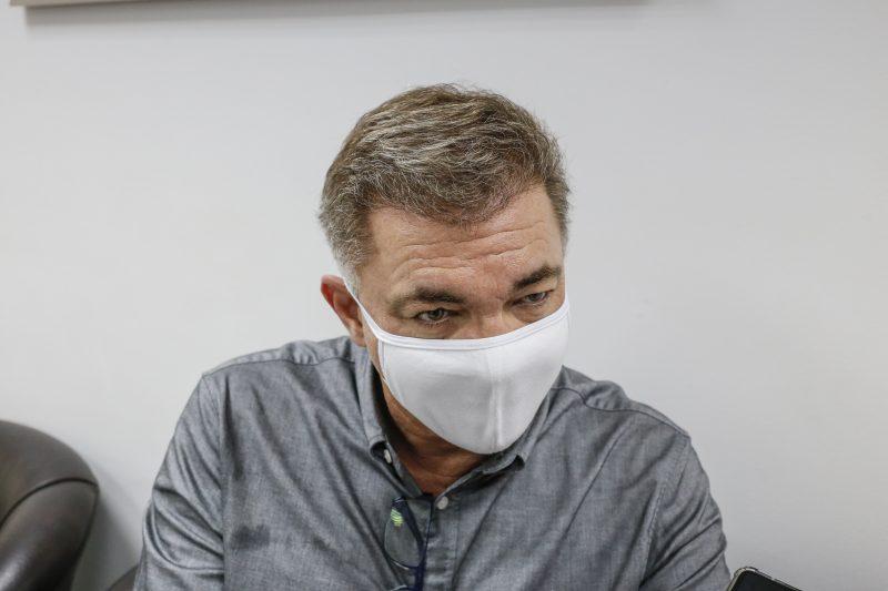 Prefeito reeleito de Florianópolis, Gean Loureiro (DEM), foi diagnosticado com a Covid-19 no dia 12 de outubro e permaneceu em casa, com sintomas leves. No dia 17 do mesmo mês, porém, o chefe do Poder Executivo apresentou febre e sintomas moderados e foi internado no HBS (Hospital Baía Sul). No dia 21 de outubro, ele recebeu alta e permaneceu em casa, o que o impediu de participar do debate entre candidatos da TV UFSC. Na eleição, Gean recebeu 126.144 votos e com 53,46% garantiu a vitória ainda no primeiro turno, fato que não se repetia desde 2000- Foto: Anderson Coelho/ND