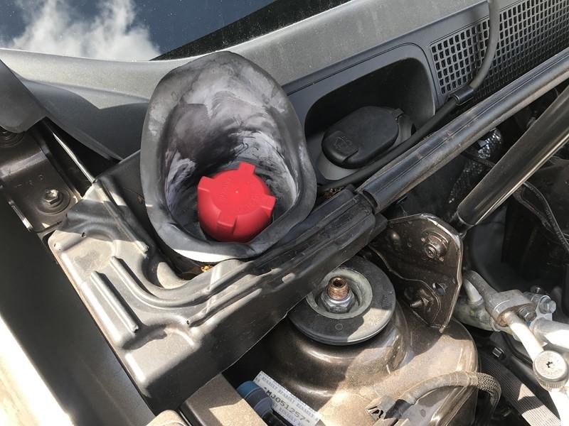 Tanquinho de partida a frio segue no motor - Foto: Leo Alves/Garagem360/Garagem 360/ND