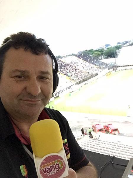 Jotha Biavatti: Jacir Biavatti tinha 46 anos e era comentarista esportivo da RIC TV e repórter da rádio Vanguarda. – Foto: Arquivo Pessoal